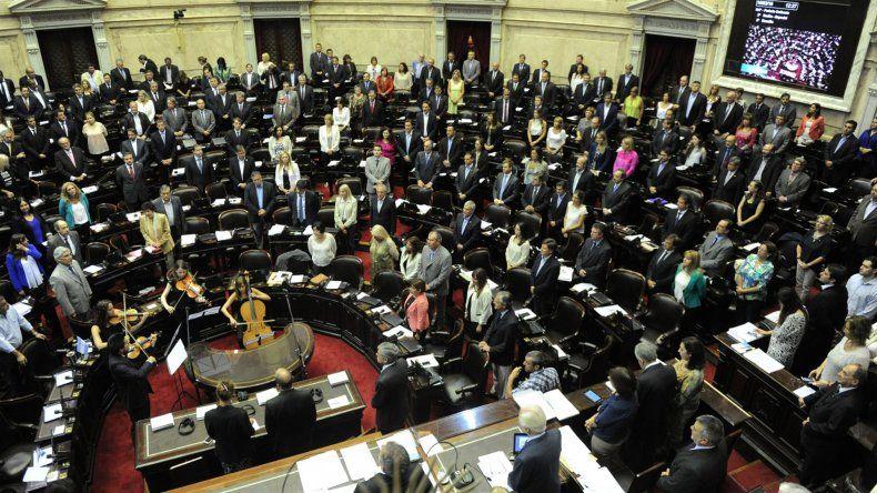 El oficialismo en la Cámara de Diputados consiguió el quórum necesario para abrir la sesión.