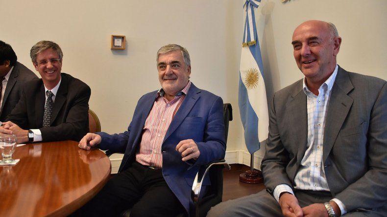 Das Neves en comopañía de Ongarato y Williams.