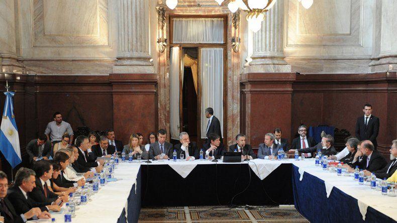 Gobernadores se reunieron en el Senado y algunos expresaron su acompañamiento al proyecto oficial sobre los holdouts.