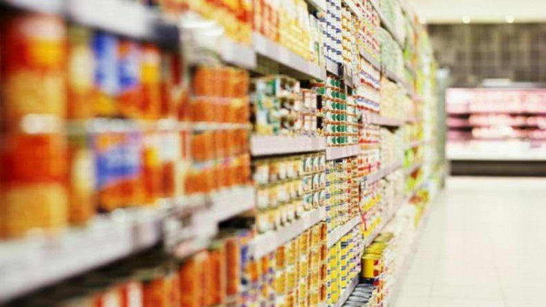 Los supermercados deberán informar sus precios todas las mañanas