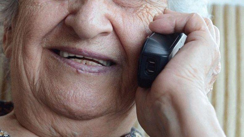 Le robaron 30 mil pesos a una abuela con el famoso cuento del tío