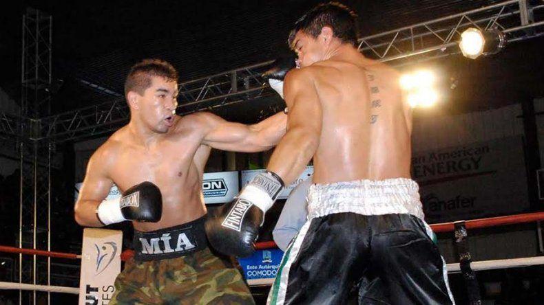 Héctor Tigre Saldivia retornó al ring con la misma potencia en sus puños para volver a ser campeón Argentino Superwelter.