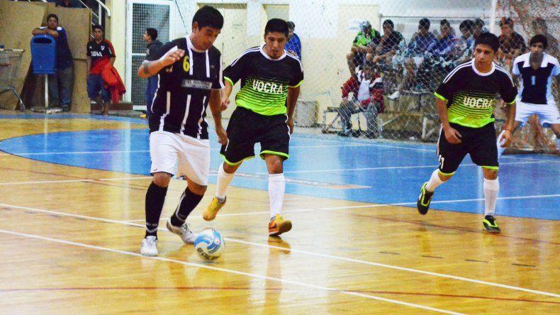 UOCRA volvió a lo más alto de las posiciones en el torneo Apertura luego de ganarle 9-6 a Taller El Industrial.