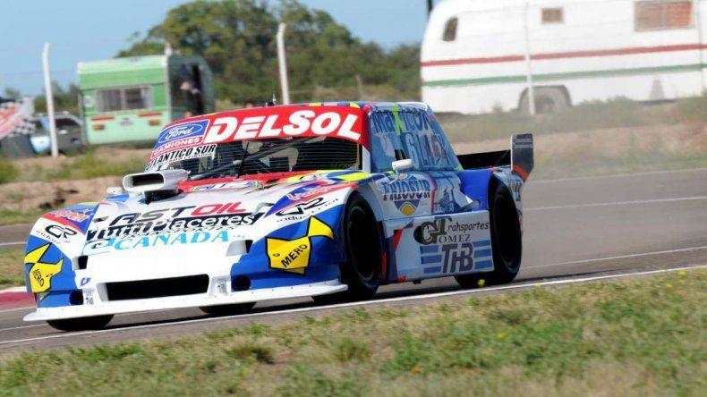 Marcelo Agrelo y su Ford se ubican cuartos en el campeonato de TC Pista.