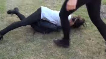Fue golpeada por unas 20 compañeras de la escuela