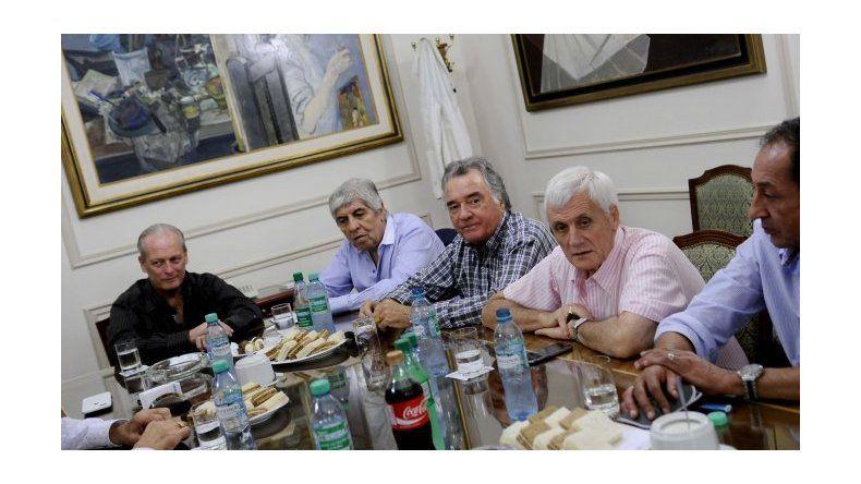 Dirigentes de la CGT presentarán un documento conjunto con reclamos a Macri