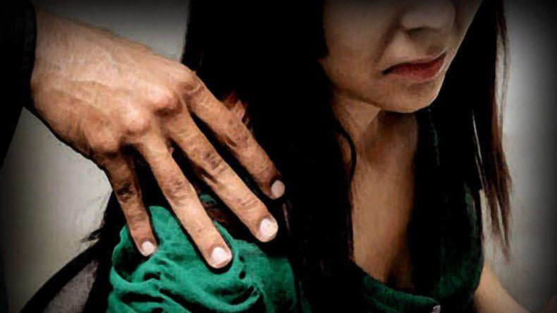 Una mujer denunció que le estaban cobrando un préstamo con favores sexuales