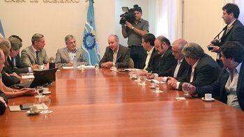 La presentación del proyecto por parte de Petrominera y el Ministerio de Hidrocarburos.