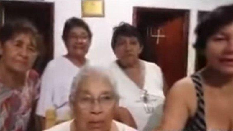 Selfie fallida de un grupo de señoras se hace viral