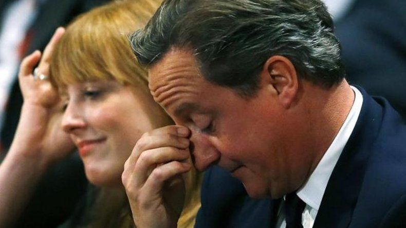 Primer ministro británico reconoció que tuvo acciones de un fondo offshore