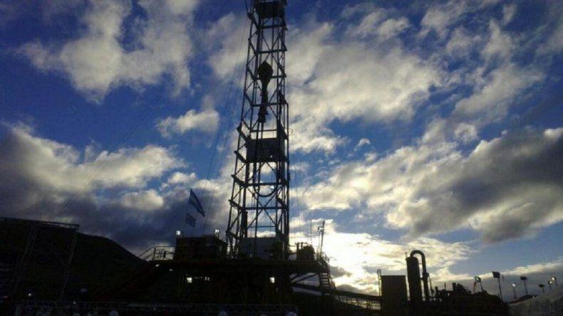 Petroleros fijaron una suma puente unificada para llevar hoy a la mesa paritaria