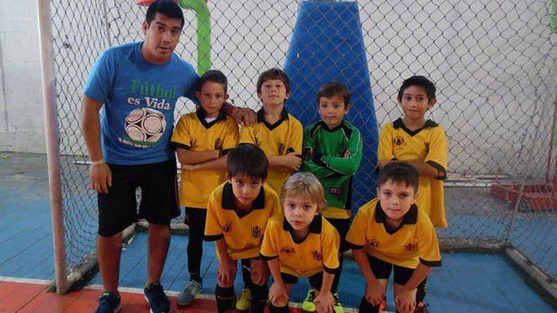 Rada Amarillo comenzó con una derrota frente a Nueva Generación en la categoría 2008.