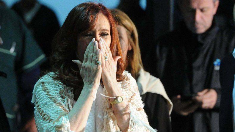 Militantes recibieron a Cristina Fernández en Buenos Aires