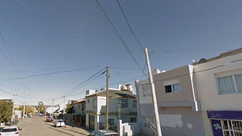 Atrapan a un conocido adolescente del barrio Ceferino cuando salía de robar en una casa