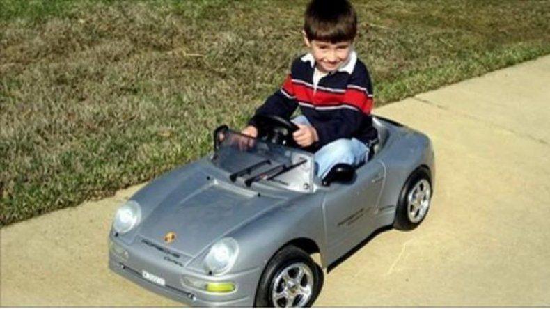 Se ganó un auto 0km pero le entregaron uno de juguete