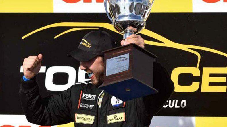 El comodorense Gustavo Micheloud arrancó con todo en la nueva temporada de la Top Race V6.