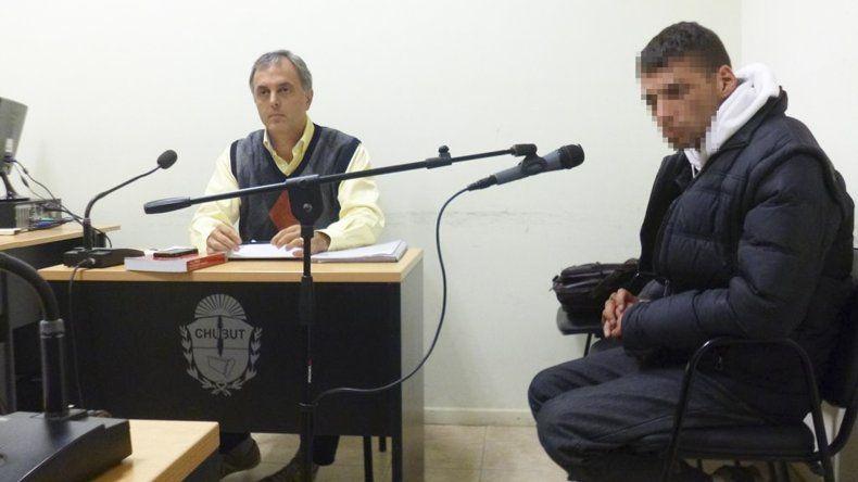 Alan Pérez Díaz en la audiencia de control por el primero de los robos que cometió este mes. Hoy se repetiría la imagen.