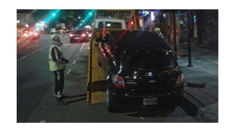 Primera multa a un chofer de Uber: tuvo que pagar $77 mil y le llevaron el auto