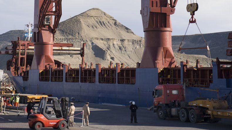 Anunciaron obras complementarias en el puerto local para contribuir a su competitividad.