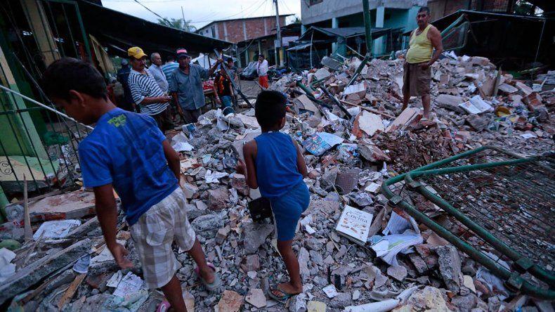 La zona costera del norte del país fue la más afectada por el terremoto del sábado.