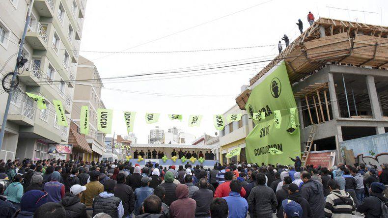 La UOCRA celebró el Día del Trabajador de la Construcción con un acto frente al edificio en construcción donde funcionará la obra social.