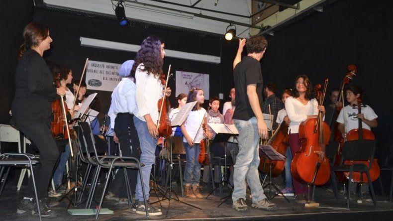 La Orquesta Infanto Juvenil del Bicentenario de El Hoyo espera certezas sobre su continuidad.