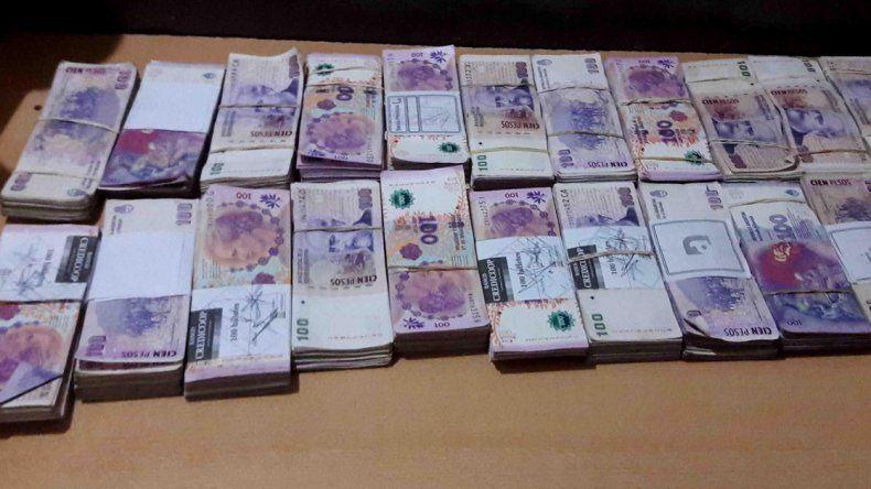 Un inspector encontró 75 mil pesos y los devolvió