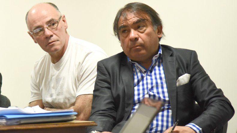 Lamonega junto a su abogado defensor cuando fue condenado en diciembre de 2015.