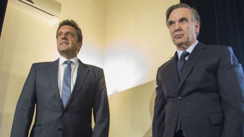 Massa se reunió con Pichetto por la ley anti despidos.