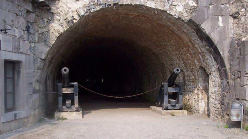 Dinant: murallas, museos y cuevas