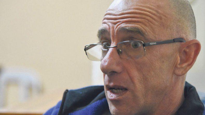 Roberto Grupallo lleva más de 30 años en el servicio de guardavidas de Comodoro Rivadavia.