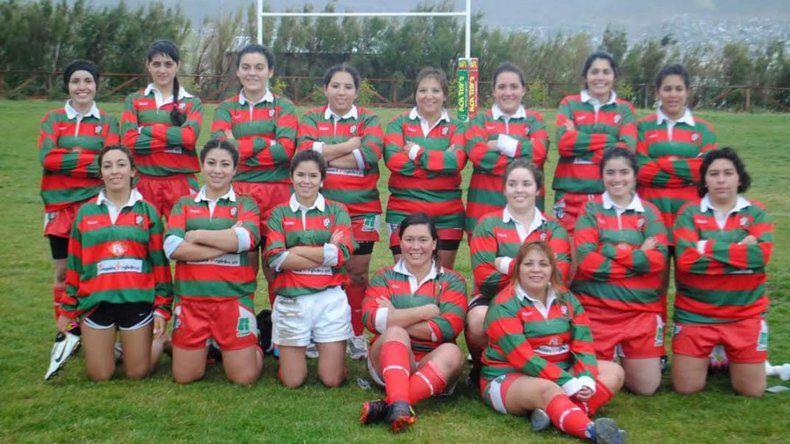 El plantel femenino de Deportivo Portugués que participó el último domingo de un encuentro femenino en cancha de Calafate RC.