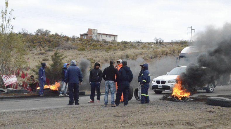 Los cortes de ruta del Sindicato de Trabajadores de la Industria de la Construcción aislaron por largas horas a varias localidades de la provincia.