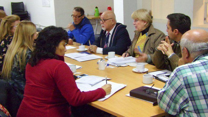 La reunión celebrada ayer entre concejales e integrantes del Consejo de la Niñez