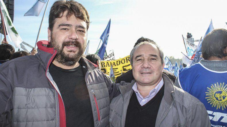 El concejal Guillermo Almirón (izquierda) sostiene que no será tan sencillo implementar una tarifa única en el consumo energético para toda la provincia.