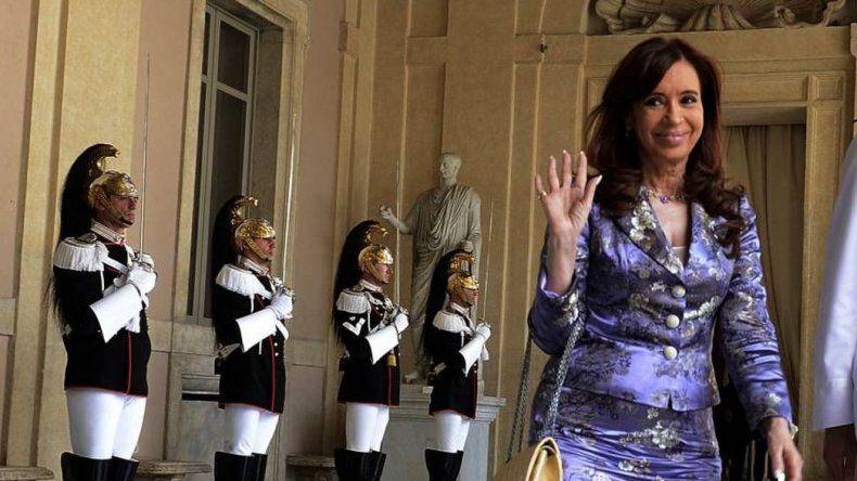 Bonadio procesó a Cristina en causa por dólar futuro