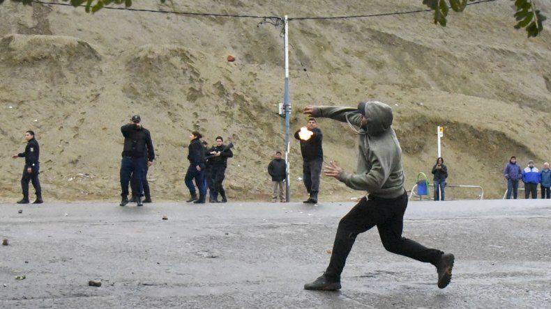 La Justicia recopila fotos y videos de los incidentes entre UOCRA y SOUCCh
