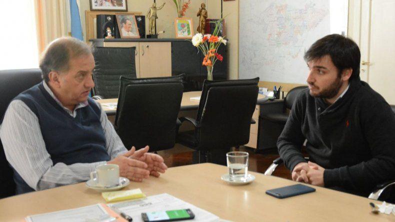 Carlos Linares en la reunión que mantuvo con Ignacio Torres.