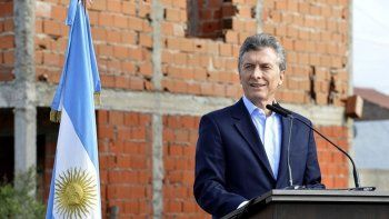 Macri vetó la emergencia ocupacional : es una ley que va contra los argentinos