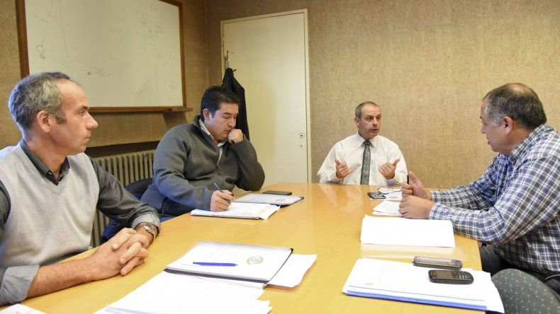 Los integrantes del Ente de Control se reunieron con las autoridades de la Cooperativa para recibir un informe de los servicios.