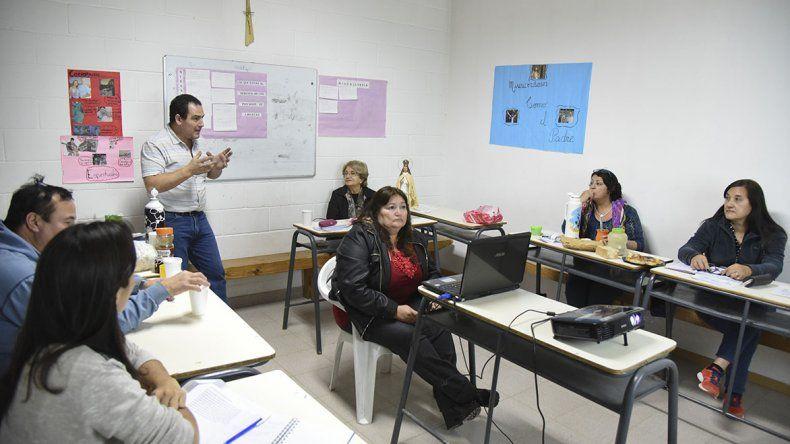 El voluntariado tiene seis personas permanentes y el viernes inició la capacitación para sumar más gente.