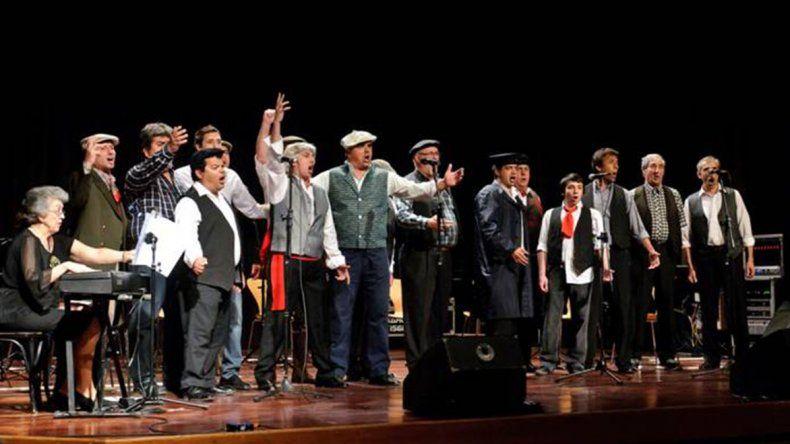 Los Miserables se preparan para celebrar los 82 años del Teatro Español a puro canto y música.