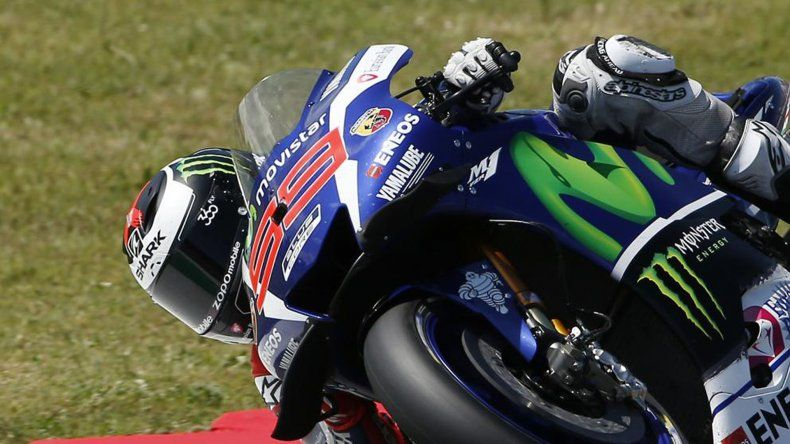 Jorge Lorenzo se quedó con el Gran Premio de Italia en un final agónico