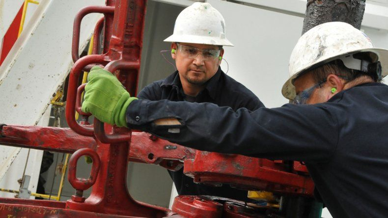 Mientras los gremios petroleros continúan negociando salarios