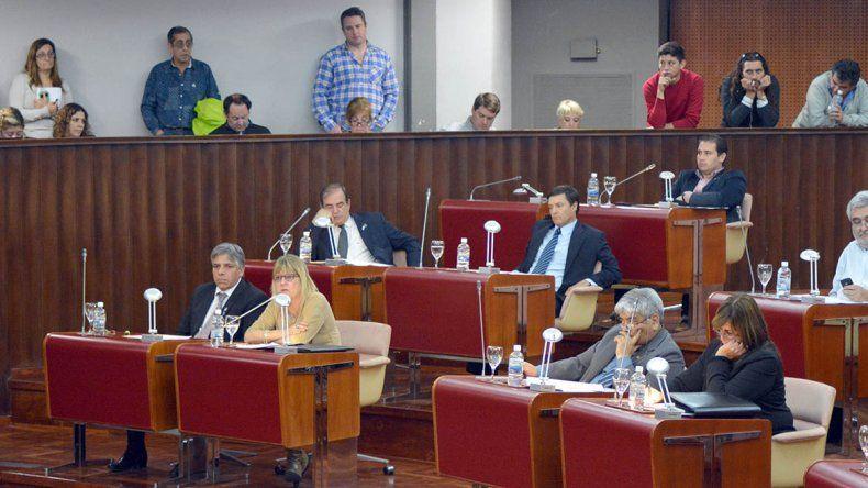 El bloque mayoritario del FpV respaldó con sus votos los pliegos enviados por el gobernador a la Legislatura.