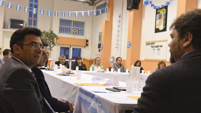 La reunión se realizó en la sede partidaria del PJ.