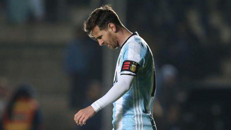 Lionel Messi tuvo que dejar la cancha de manera imprevista el último viernes y preocupó a todos.