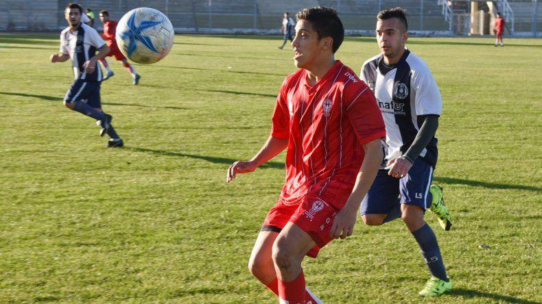 Huracán viene de golear a Ferro en el estadio municipal.