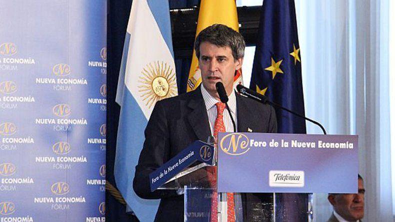 Prat-Gay se disculpó ante España por las políticas del anterior gobierno kirchnerista.
