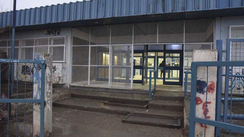 Tras el incidente con el gas pimienta la Escuela 723 fue desalojada y las actividades se suspendieron en la tarde de ayer.